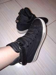 Hi-cut original shoes