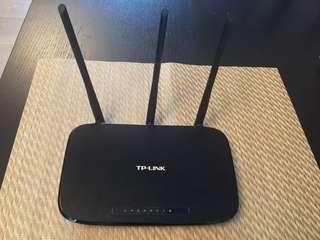 TP Link Router 450mbps
