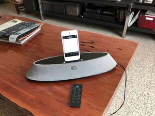 JBL - IPod player with remote control
