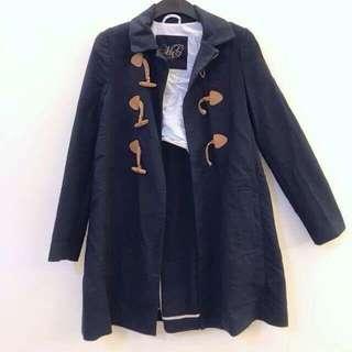 🚚 原5000多 今日特價 MNG深藍色 中長版 牛角釦設計 長袖外套