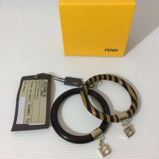 ❤️AUTHENTIC FENDI BANGLE BLACK + LIGHT