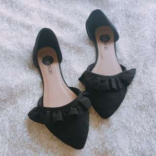 FRILLY SHOES