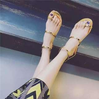 #18C317金屬光感簡約涼鞋