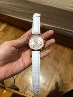🚚 皮製白色手錶