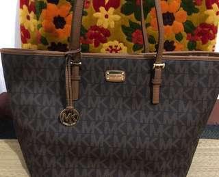 Michael-Kors carry all bag