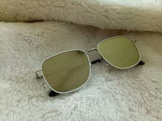 Sunglasses (Sunnies Studio)