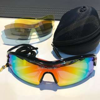 AUTHENTIC! OAKLEY Biker Sunnies with extra Lenses