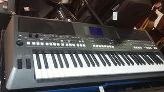 Yamaha Keyboard+adaptor PSRS670