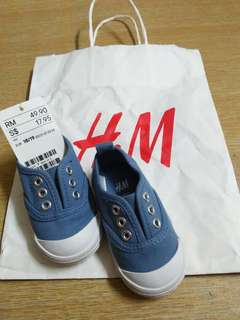 H&M kids shoes size 18/19