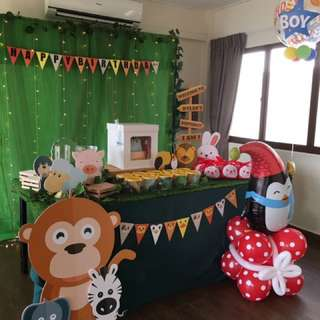 Affordable Dessert table / phototable / animal theme