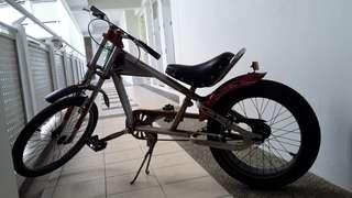 Vintage Schwinn stingray bike