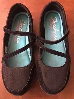Authentic Skechers Black Memory Foam Size 8