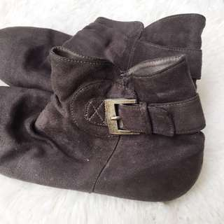 SOFAB! Grey Suede Boots