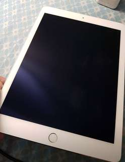 Get it now rush !!! Ipad air 2 w/ 2 original case from apple