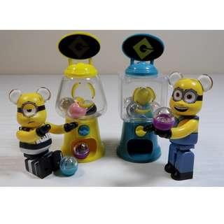 Minions Bearbrick & Miniature capsule machine