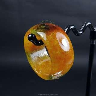 🚚 珍珠林~小瑕疵大特價~翠綠糖黃玉戒.也可當玉墬子佩戴#408 內徑19.5MM