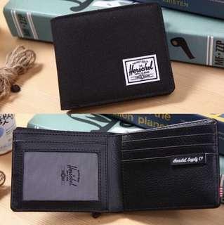 Herschel銀包黑色相片位$200