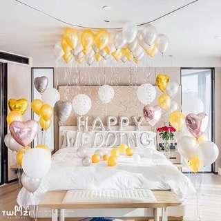 Hotel room balloon deco