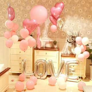 Wedding venue balloon deco