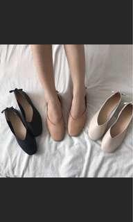 🚚 粉膚色氣質平底鞋