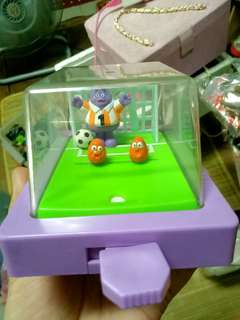 2001 奶昔大哥 足球玩具
