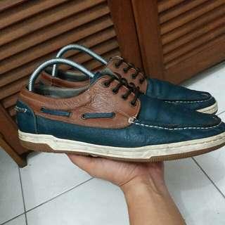Sepatu NN Mochasins