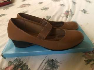 Payless shoes size 9