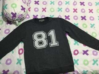 Sweater giodarno ( dipakai 1 kali saja )