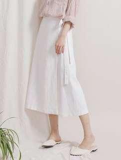 🚚 Ingrid.tw 超美側綁帶棉麻A字裙 氣質白
