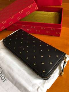 Christian Dior Black Leather with golden star pattern Long Wallet (原價: $8,924)