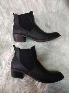 NOVO Black Boots - Size 8