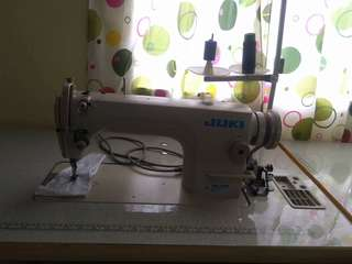 Juki High speed industrial sewing machine