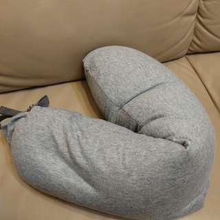 包郵 100%全新 Muji Style Travel Pillow 無印Style棉質絨毛多用途頸枕 午睡 旅行必備 Free shipping