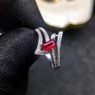 18K白金 紅寶石鑽石戒指