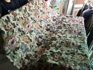 懷舊花圖案暗色枱布 vintage feel flower pattern table cloth