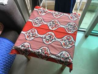 紅橙白色枱布 red orange white table cloth
