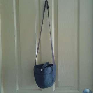 Brown bucket bag