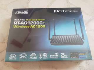 BRAND NEW SET (PACKAGING STILL INTACT) ASUS RT-AC1200G+
