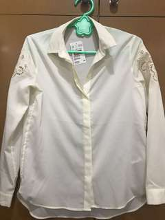 H&M white polo w lace sleeves