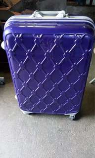 Hard case luggage bag