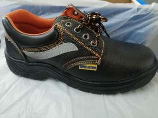 Safety Shoe - low cut (steel cap & steel toe)