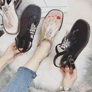 🚚 060120(35#~36)新款奢華羽毛款絲織涼鞋