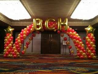 Events entrance balloon arc and columns deco