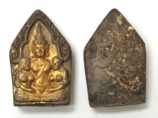 AC Monak BE2547 Phra Khun Paen with twin wife gold painted with 1 Kamasutra post with Cambodia love leafs