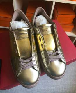 Authentic BNEW Valentino Gold Metallic Rubbershoes Size 36