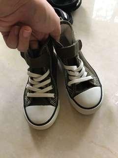 Brand New Converse Boys kids shoe baru sz 24 Authentic