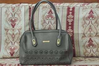 MICHAELA Gray Hand Bag