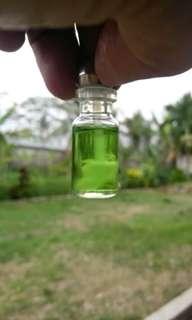 minyak galuh plus dan kapas bujang memiliki aroma yang luar biasa dapat memukau org yang mencium minyak ini agak langkah layak untuk collection