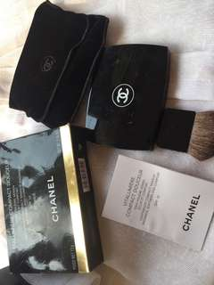 Chanel Vitalumiere Compact Powder No 20 Beige
