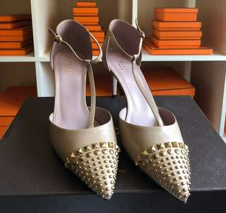 Authentic BNEW Gucci Beige Midheel Shoes Size 40